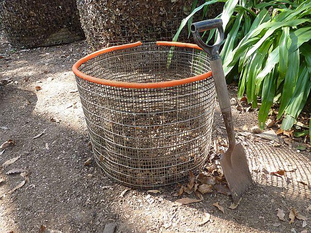 Compostero de Cilindro de Malla para Excretas de Perro