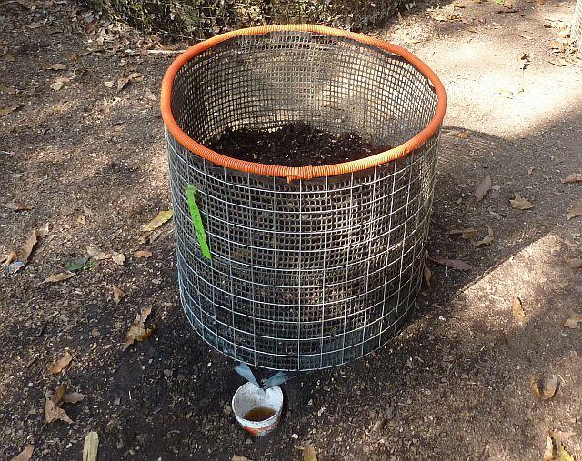 Lombri-Compostero de Cilindro de Malla para Restos de Cocina